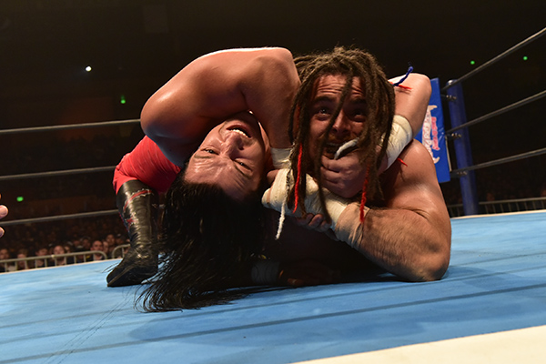 Jay White vs Juice Robinson